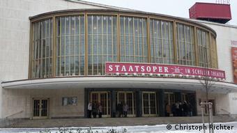 Outside view of Berlin's Staatsoper Unter den Linden Foto: Christoph Richter