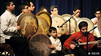 Iran's traditional musicians (c) MEHR