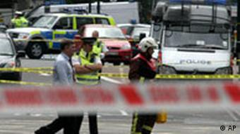 Explosion in London Oval Tube Station