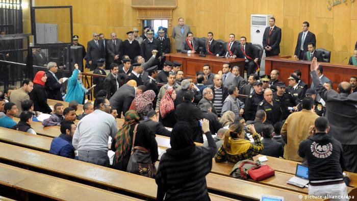 Verdict dur în cazul masacrului de la meciul de fotbal din Port Said