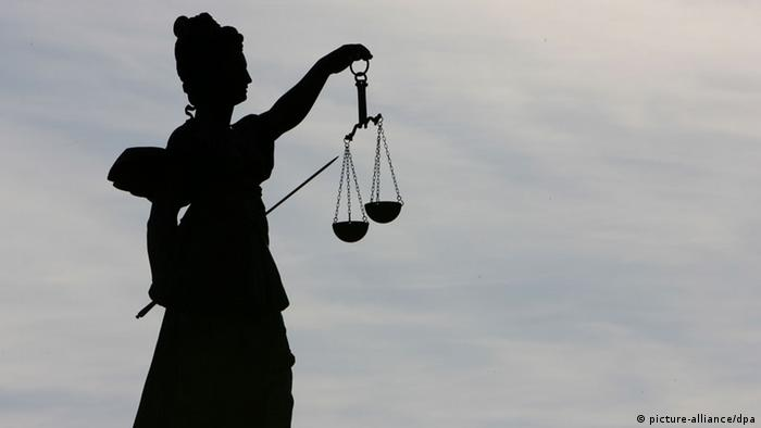 مجسمه الهه عدالت در فرانکفورت