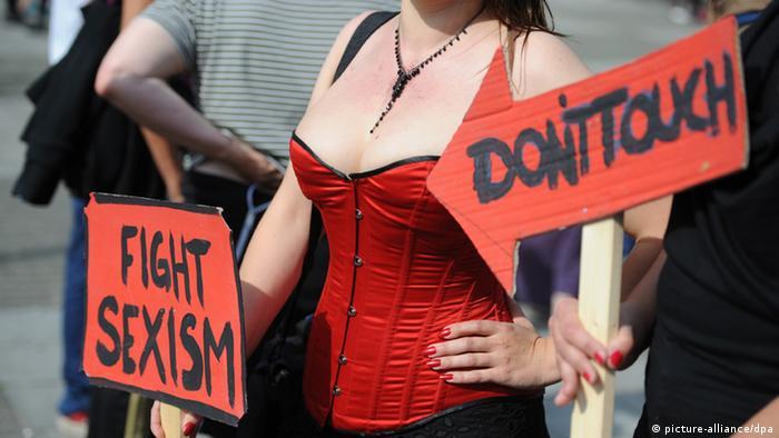 Não toque; lute contra o sexismo: protesto contra o sexismo em Hamburgo