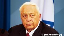 Burma erhält Schuldenerlass über sechs Milliarden Dollar Ariel Scharon Charon, Ministerpraesident von Israel, bei seinem Besuch in Deutschland am 05.07.2001 in Berlin,