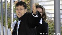 epa03559513 Spanish doctor Eufemiano Fuentes arrives at court to attend the first session of his doping case trial in Madrid, Spain, 28 January 2013. Fuentes is accused of being involved in the doping case 'Puerto Operation'. Allegedly Fuentes had provided doping substances to several cyclists. The trial is the first legal proceedings worldwide against a sport doping plot. EPA/CHEMA MOYA