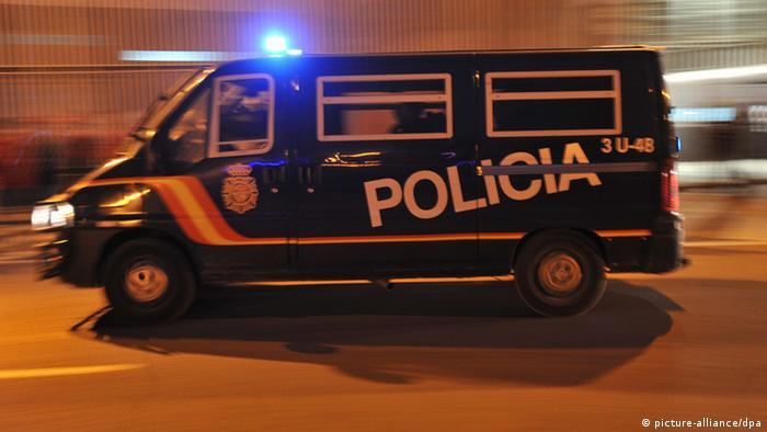 Symbolbild Spanische Polizei nimmt Mitglied von Sendero Luminoso fest