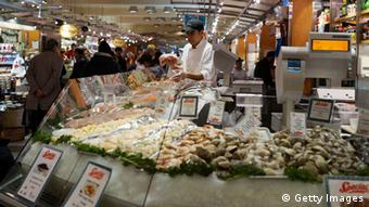 Seafood is displayed in a market on January 10, 2013 in New York City (Photo: Spencer Platt/Getty Images)