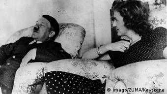 Ο Χίτλερ με την σύντροφο του Εύα Μπράουν σε προσωπικές στιγμές