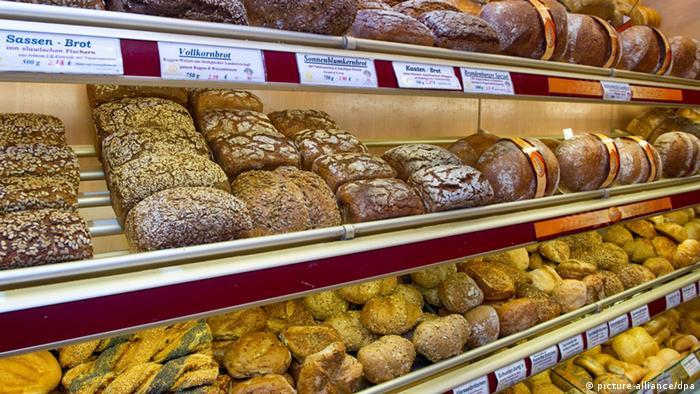 Brote und Brötchen in einer Bäckerei