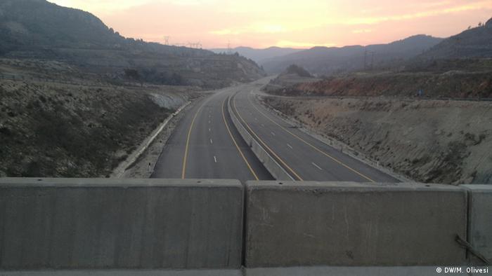 The Road to Latakia City: Copyight: DW/M. Olivesi
