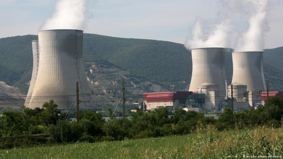 Франция будет сокращать долю атомной энергетики | Новости из Германии о Европе | DW | 22.07.2015