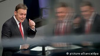 Για κλίμα πογκρόμ στη Γερμανία από το AfD προειδοποιεί ο Τόμας Όπερμαν (SPD)