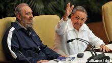 Fidel Castro und Raul Castro April 2011 Flash-Galerie