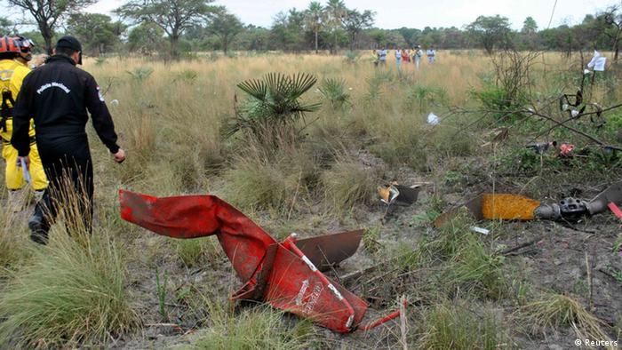 Durante la campaña presidencial de Paraguay en 2013, el candidato Lino Oviedo falleció a los 69 años cuando se estrelló el helicóptero en el que viajaba para participar en un acto político. Fue en el distrito Presidente Hayes, en la región del Chacho paraguayo, y la aeronave quedó completamente destrozada (imagen). (02.02.2013)
