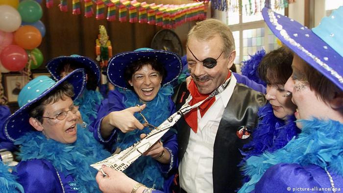 Karneval Fasching Fasnacht in Deutschland - Brauchtum und Geschichte (picture-alliance/dpa)