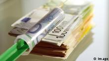 Länderfinanzausgleich Symbolbild Geldscheine Spritze