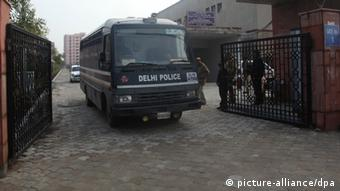epa03569237 A Delhi police van, believed to be carrying the five accused, arrives at the Delhi Saket court complex in New Delhi, India, 05 February 2013. According to a media reports the Delhi court on 05 February indicted the rape and murder charges on the five accused. A court accepted the sixth accused to be a minor who will now be tried in a juvenile court. The trial of five men accused in the gang rape and murder of a 23-year-old student in New Delhi began 05 February with the main witness testifying against the accused as well as identifying them and the bus in which the alleged crime was committed. EPA/ANINDITO MUKHERJEE