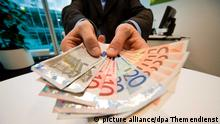 Geldgeschäfte