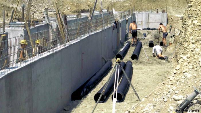 Ar contido em tubos enterrados no solo é usado para a climatização