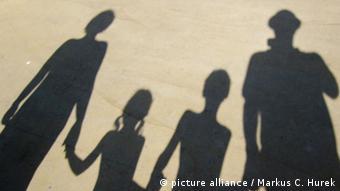 ۸۵ درصد زوجها در ایران در پنج سال نخست زندگی از یکدیگر جدا میشوند و ۳۵ درصد از آنان نیز دارای یک تا دو فرزند هستند.