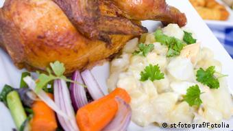 Halbes Hähnchen mit Kartoffelsalat