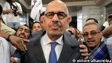 epa03199251 Nobel Peace Prize winner and former head of the International Atomic Energy Agency, Mohamed ElBaradei (C) is surrounded by his supporters and media as he arrives to announce the launch of the new 'Adoustour' (the Constitution in Arabic) Party in a press conference at the Egyptian Press Syndicate in Cairo, Egypt, 28 April 2012. ElBaradei and a group of pro-revolution personalities announced officially on 28 April the launch of the new 'Adoustour' political party aiming at gathering the Egyptian revolutionaries. EPA/AMEL PAIN