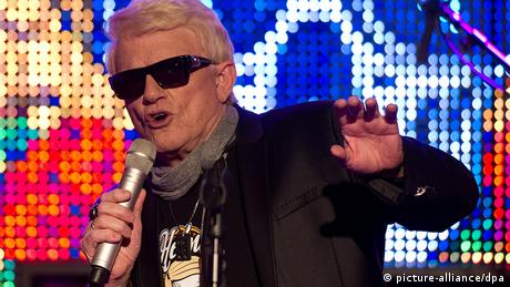 Heino in 2013 performs in Hamburg (picture-alliance/dpa)