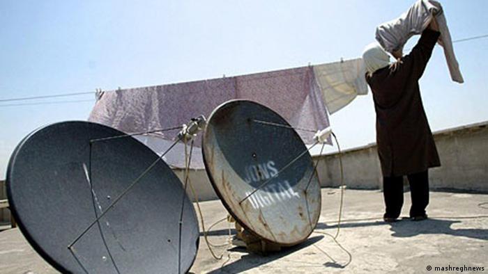 به گفته معاون فرهنگی سپاه پاسداران ۶۰ درصد ایرانیان از ماهواره استفاده میکنند