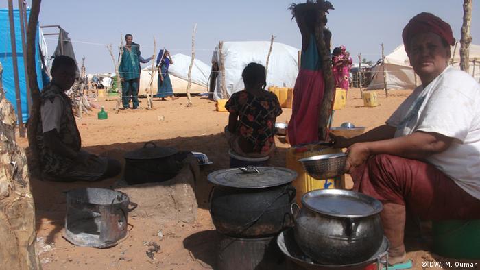 Des personnes réfugiées à la frontière avec la Mauritanie