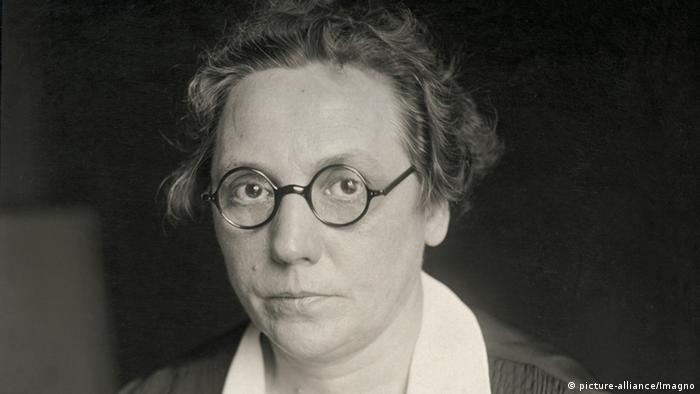 Marie Juchacz, Sozialpolitikerin und Frauenrechtlerin