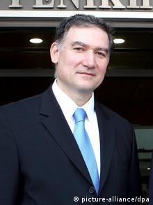 Ενώ αποκατέστησε «διεθνώς την κλονισμένη αξιοπιστία της Στατιστικής Αρχής, έκανε παράλληλα πολλούς εχθρούς στην ελληνική πολιτική»