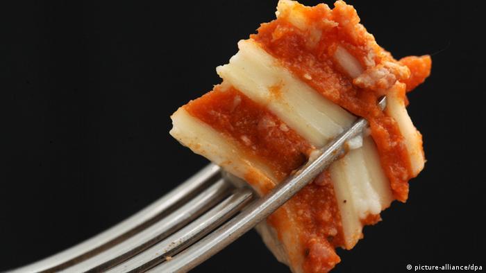 A piece of Lasagna on a fork Photo: Fredrik von Erichsen/dpa
