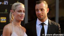 Südafrika Sport Oscar Pistorius mit Freundlin Reeva Steenkamp