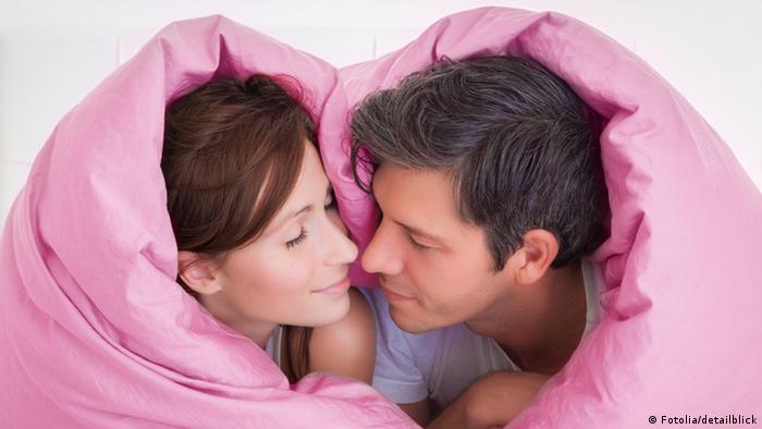 Symbolbild Valentinstag Heterosexuelles Paar Pärchen Liebe