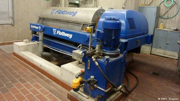 Wastewater treatment technology in Germany Wastewater treatment equipment from the plant. Kläranlage Salierweg, Bonn, Deutschland Foto DW/Camille Grayson January 2012