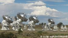 Combined Array for Research in Millimeter-Wave Astronomy Quelle: http://en.wikipedia.org/wiki/File:CARMA_Panoramic_cropped2.jpg Description English: A cropped panoramic of CARMA in D array Date 22 July 2009 Source Own work Author Palmtree3000 You are free: to share – to copy, distribute and transmit the work to remix – to adapt the work Under the following conditions: attribution – You must attribute the work in the manner specified by the author or licensor (but not in any way that suggests that they endorse you or your use of the work). share alike – If you alter, transform, or build upon this work, you may distribute the resulting work only under the same or similar license to this one.