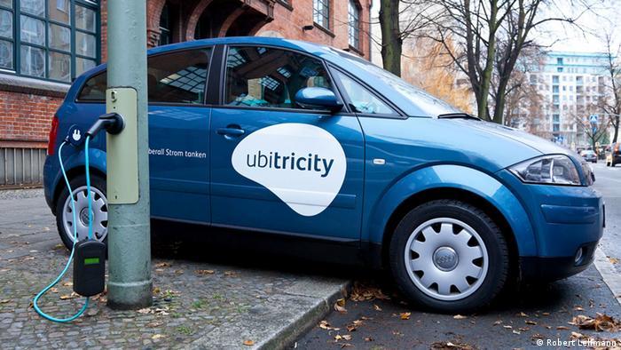 Зарядна станція Ubitricity у Берліні