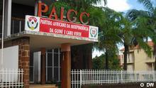 PAIGC (Unhängigkeitspartei) Zentrale in Bissau. Das Photo würde in Bissau in September 2010 gemacht. Fotografin ist Helena de Gouveia.