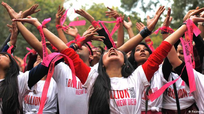 People dance to the theme song of the One Billion Rising campaign in New Delhi February 14, 2013 (Photo: REUTERS/Mansi Thapliyal)