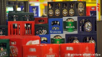 Several crates of beer (Photo: Henning Kaiser dpa/lnw)