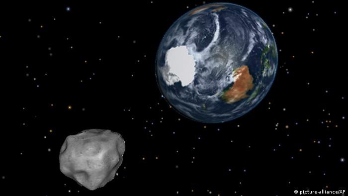 Rekordbegegnung mit Asteroiden (picture-alliance/AP)