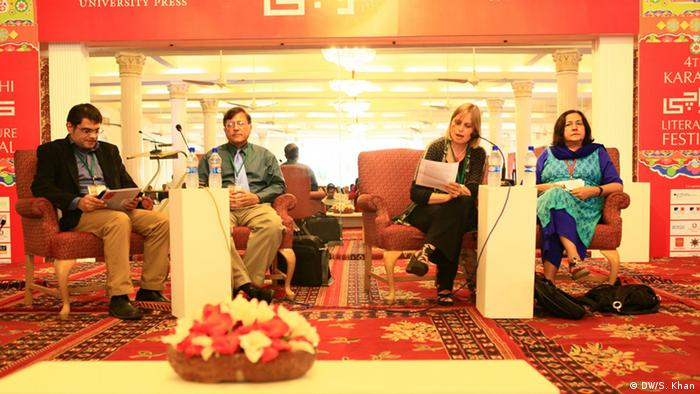 Authors taking part in a discussion at Karachi Literature Festival (Photo: DW/Shadi Khan)