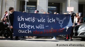 Demonstration für Intersexualität in Berlin