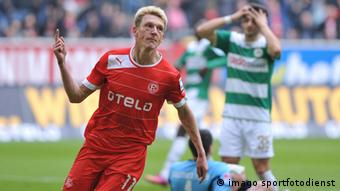 Axel Belinghause celebrates his goal against Greuther Fürth in Fortuna Düsseldorf's 1-0 win on Saturday.