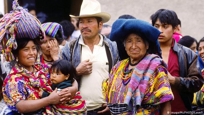 Die bunte Webkunst der Maya aus Guatemala