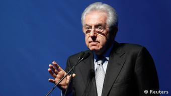 Italy's outgoing Prime Minister Mario Monti speaks during a meeting in Rome February 15, 2013. REUTERS/Tony Gentile ( ITALY - Tags: POLITICS BUSINESS)