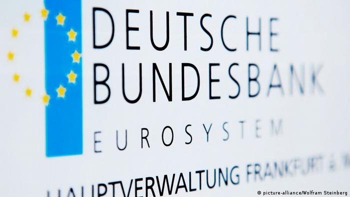 A sign at the headquarters of the Bundesbank Photo: Wolfram Steinberg