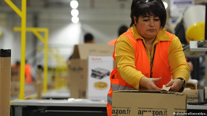 Foreign temp worker at Amazon's logistics center in Pforzheim, Germany Photo: Jan-Philipp Strobel/dpa