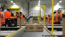 Deutschland Wirtschaft Versandhandel Amazon Logistikzentrum in Pforzheim