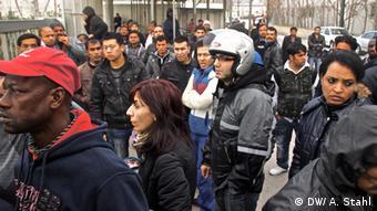 Οι μετανάστες είναι μεταξύ των βασικών «θυμάτων» της φτώχιας