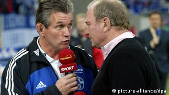 Jupp Heynckes (as Schalke coach) and Bayern's commerical manager Uli Hoeneß in a TV interview on Premiere. On this November 1, 2003 match day, Schalke beat Bayern 2-0.